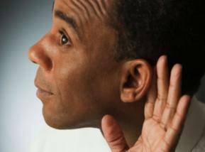 Un error muy común es no escuchar a los clientes. Foto: Getty.